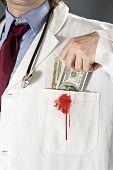 Médico corrompido