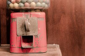 foto of gumball machine  - close - JPG