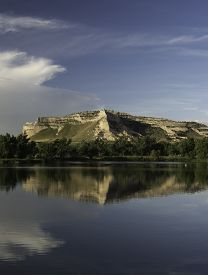picture of western nebraska  - Scotts Bluff National Monument from the northern side next to the North Platte River - JPG