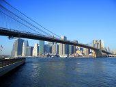 Постер, плакат: Бруклинский мост и нижнем Манхэттене Нью Йорк