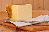 pic of margarine  - a cube margarine and a kitchen knife - JPG