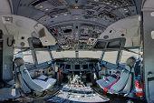 737 jet aircraft cockpit wide angle