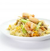 stir-fried rice noodles