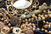 Orient jewelries