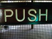Постер, плакат: Push