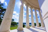 picture of thomas jefferson memorial  - Thomas Jefferson memorial in Washington DC USA - JPG