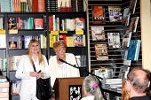 LOS ANGELES - AUG 7:  Lindsay Harrison, Jeanne Cooper speaking at a Book Signing of