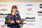 LOS ANGELES -  MAY 19:  Taylor Swift with her 8 awards in the press room at the Billboard Music Awar