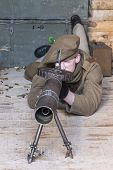 WWI British Army Soldier Operates An Authentic Lewis Machine Gun