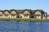 New Country Houses On The Lake