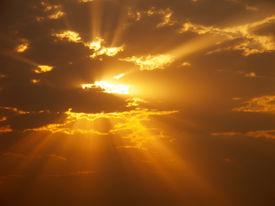 image of sun rays  - Sun rays - JPG