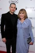 LOS ANGELES - 10 de JUN: Rob James-Collier y Phyllis Logan llega a An Evening with Downton Abbey