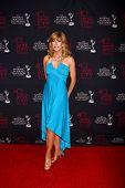 LOS ANGELES - 14 de JUN: Leeza Gibbons atiende el 2013 Daytime Emmys creativa en el Bonaventure caliente