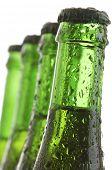 voorhoede van een groene flessen bier