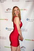 LOS ANGELES - 9 de JAN: Maitland Ward na festa
