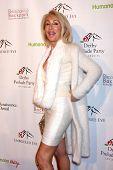 LOS ANGELES - 9 de JAN: Linda Thompson en la fiesta de preludio