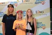 LOS ANGELES - JUN 14:  Ryder DeVoe, Fisher DeVoe, Jaysea DeVoe at the Children Mending Hearts 6th An