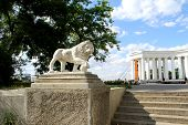 Lion statue and collonade in Odessa