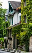 Pittoresque house  in Montmartre, Paris