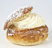 pic of sugar paste  - Single cream bun with almond paste and cream - JPG