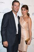 LOS ANGELES - OCT 17:  Cutter Dykstra, Jamie-Lynn Sigler arrives at  3rd Annual Autumn Party with de