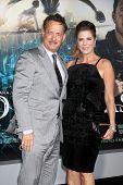LOS ANGELES - OCT 24:  Tom Hanks, Rita Wilson arrives at the
