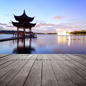pavilion at nightfall in west lake �?�¯�?�¼?hangzhou �?�¯�?�¼?China