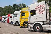Tractor Trailer Trucks
