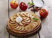 Open apple pie