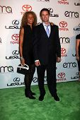 LOS ANGELES - OCT 16:  Michelle Hurd, Garret Dillahunt arrive at the 2010 Environmental Media Awards at Warner Brothers Studios on October 16, 2010 in Burbank, CA