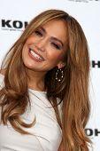 LOS ANGELES - NOV 18:  Jennifer Lopez at the press conference for Jennifer Lopez & Marc Anthony / KO