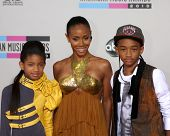 LOS ANGELES - NOV 21:  Willow Smith, Jada Pinkett Smith, Jaden Smith arrives at the 2010 American Mu