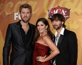 LOS ANGELES - DEC 6:  Charles Kelley, Hilary Scott, Dave Haywood of Lady Antebellum arrives at the 2