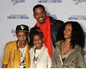 LOS ANGELES - FEB 8:  Jaden, Willow, Will Smith, Jada Smith arrives at the