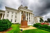 image of apex  - View of state capitol in Montgomery - JPG