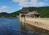 pic of dam  - Dam of the Edersee with Castle Waldeck - JPG