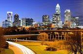 Skyline do Uptown, o Financial District de Charlotte, Carolina do Norte.