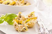 Conchiglioni stuffed with spinach and cheese