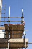 foto of scaffolding  - Looking up at scaffolding and scaffold boards - JPG