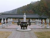 pic of altar  - boiler statues of the Buddha altar dragons worship - JPG