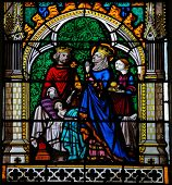 King And Queen Praying For Their Son To Heal - Stained Glass In Rouen