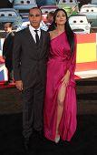 LOS ANGELES - JUN 18:  LEWIS HAMILTON & NICOLE SCHERZINGER arrives to the