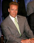 LOS ANGELES - MAY 7:  Arnold Schwarzenegger  at the Duke of Edinburgh's Award Young Americans' Challenge at a High School on May 7, 2007 in Calabasas, CA