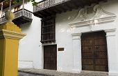 pic of bolivar  - entry architecture Museum of Crafts and Emeralds Cartagena Colombia Museo de Artesanias Esmeraldas Colombianas - JPG