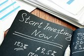 Start Investing Now Sign. Return To Investing Concept. poster