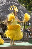 Bailarines tahitianas