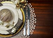 Latest Trend Of Gold Metallic Theme Christmas  Formal Dinner Table Place Setting With Fine Bone Chin