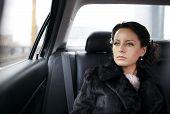 ������, ������: Bride in a car