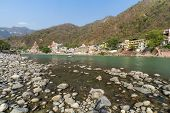 picture of gang  - The town of Rishikesh on the Ganges river - JPG