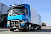 Blue Renault T460 Truck For Long Haul